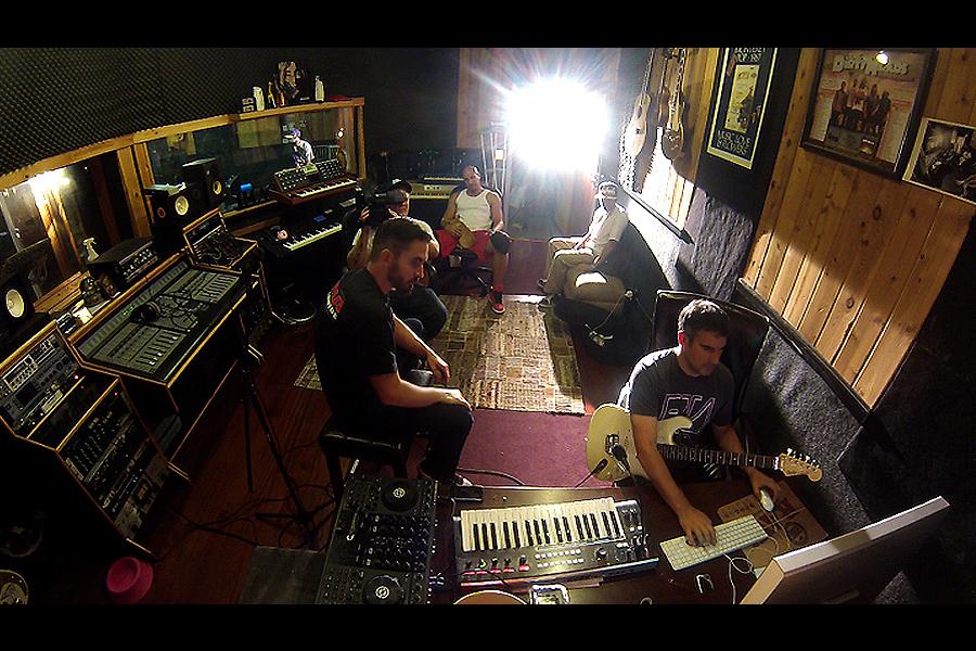 1 Studio