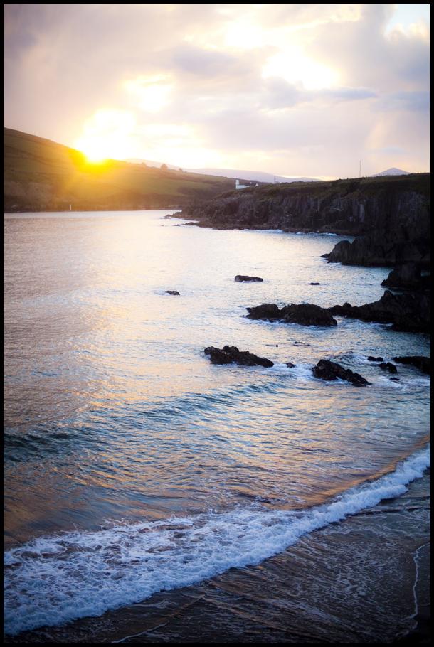 Vert Sunset Waves