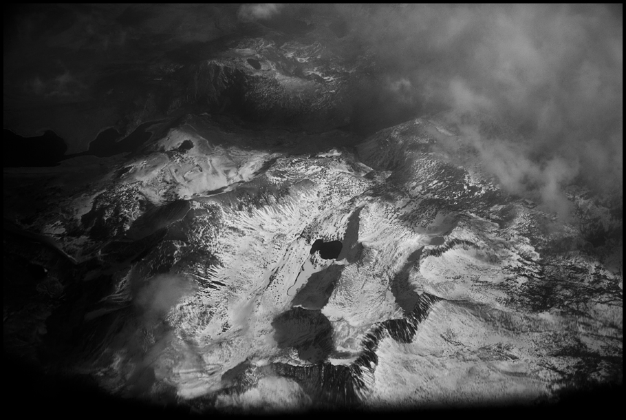 B&W A Mountain Of Sn#78DB63